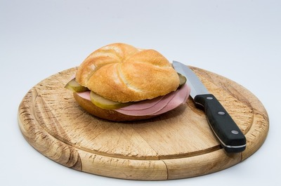 sausage-bread-2557686_960_720.jpg
